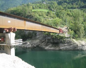 Ponte lago del Corlo